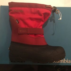 Columbia youth Powerbug winter boots. NWT Size 3